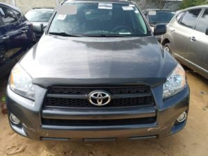 Read more about the article Toyota Rav4 occasion au Bénin