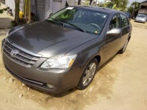 Read more about the article Toyota Avalon au Bénin occasion